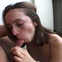 Liveshow sexe et plan coquin avec une femme suceuse